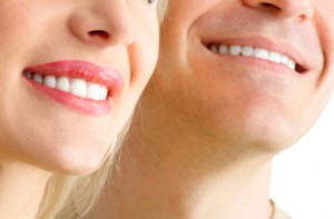 The cosmetic dentists in Massapequa want you to know about porcelain veneers.
